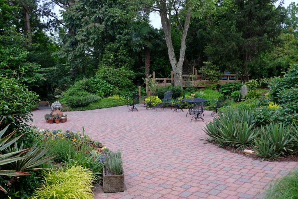 2016 9249 patio garden